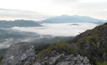 Buntu Sarira Toraja Objek Wisata Negeri Di Atas Awan Tana Toraja Sulawesi Selatan