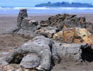 Lokasi Pantai Air Manis Malin Kundang Padang Objek wisata legenda di Sumatera Barat
